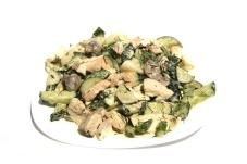 * Салат из курицы и свежих огурцов – ИМ «Обжора»