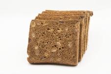 Хлеб ржаной с фруктами 300 г – ИМ «Обжора»